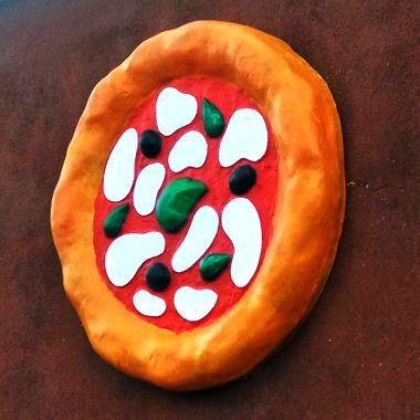 Insegna pubblicitaria: pizza in vetroresina a parete e totem a SALERNO - Foto 3