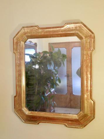 Specchiera a vassoio metà 800 originale cesellata a bulino e dorata a foglia