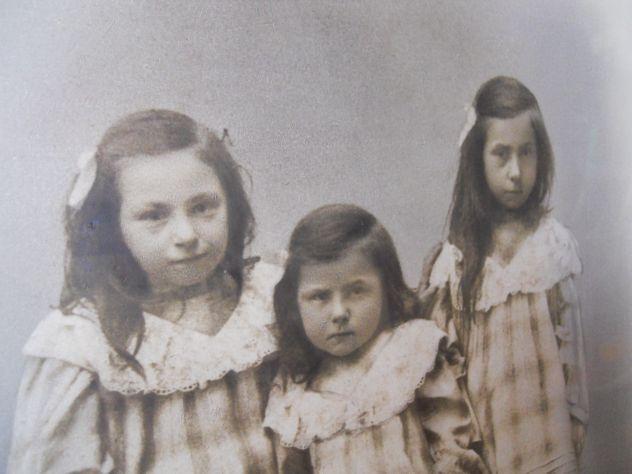 foto del 1890 sorelle a Nucetto (CN) - Foto 4