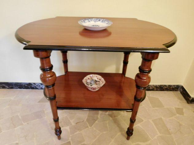 Tavolino Etagère 800 originale Luigi Filippo in noce massello, splendide gambe