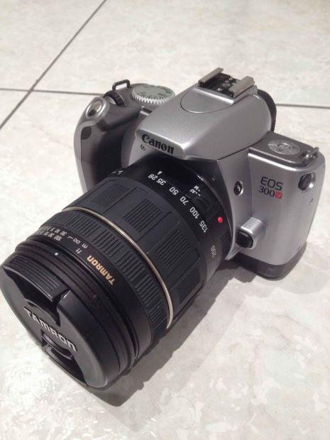 CANON EOS 300 V SUPER ZOOM AF28-200