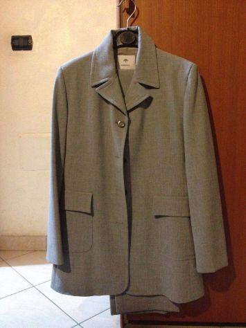 Completo grigio giacca e pantalone