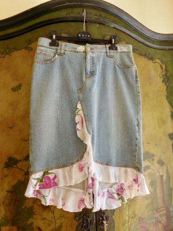 Gonna jeans MARIELLA BURANI taglia 42, in cotone 98% con inserti in pura seta