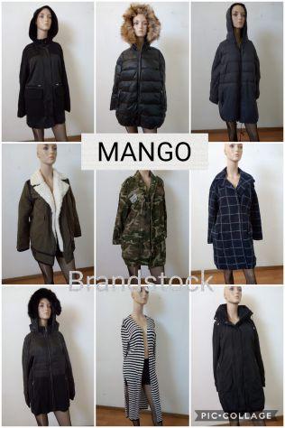 Stock Abbigliamento MANGO ZARA MOHITO IMAGINI BERSHKA YAMAMAY GOLDENLADY S.OLIVE