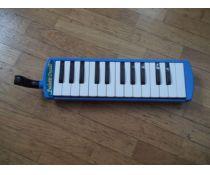 Strumenti musicali usati pianoforte chitarra a milano su for Arp arredamenti
