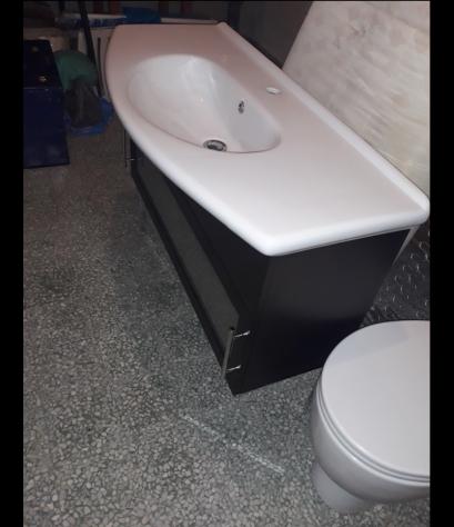 Mobile da bagno lavabo con specchio in legno scuro - Annunci ...