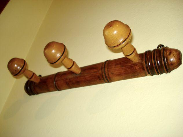 ATTACCAPANNI 800 provenzale scolpito a mano con motivo a bamboo