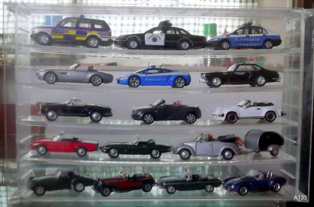 16 CABRIO-SPYDER-AUTO DELLA POLIZIA+ESPOSITORE PLEXIGLAS
