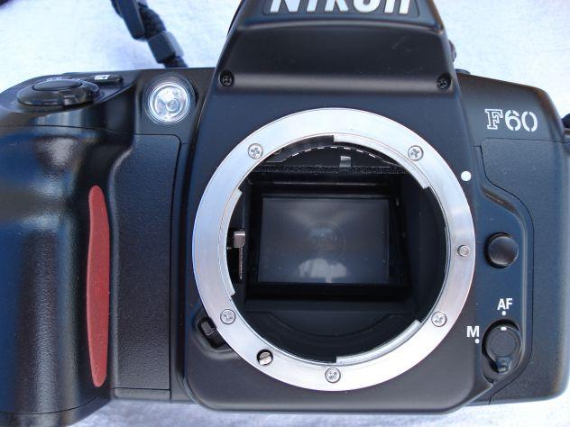 MACCHINA FOTOGRAFICA NIKON CON OBBIETTIVO 28 -105