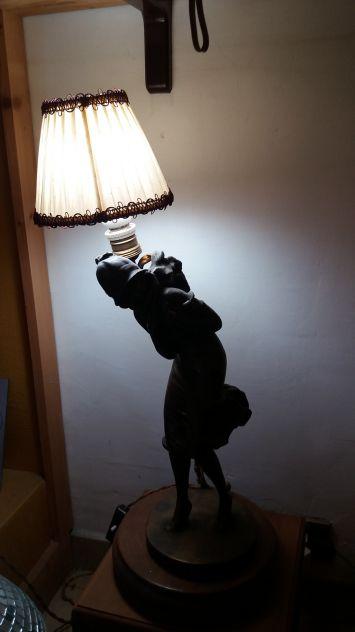 Lampada con bronzo a cera persa - Periodo art deco francese
