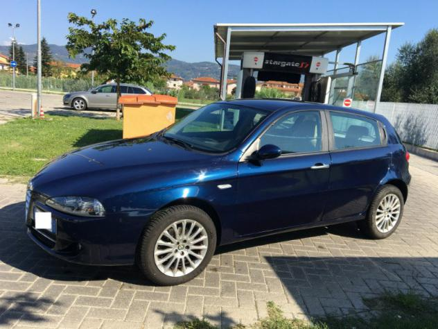 Alfa Romeo 147 147 1.9 JTD (120) 5 porte Distinctive