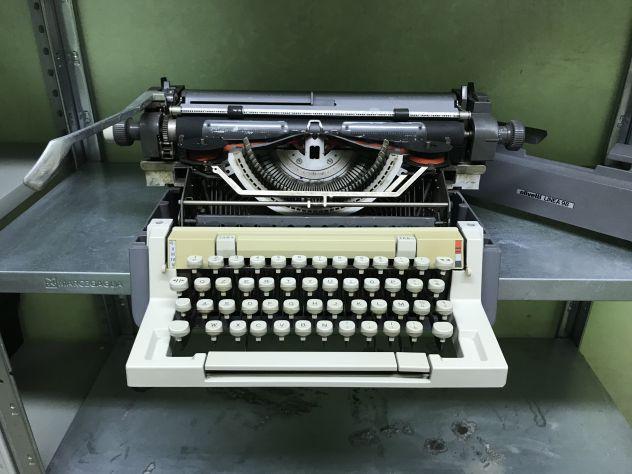 Macchina da scrivere Olivetti linea 98 anni 70