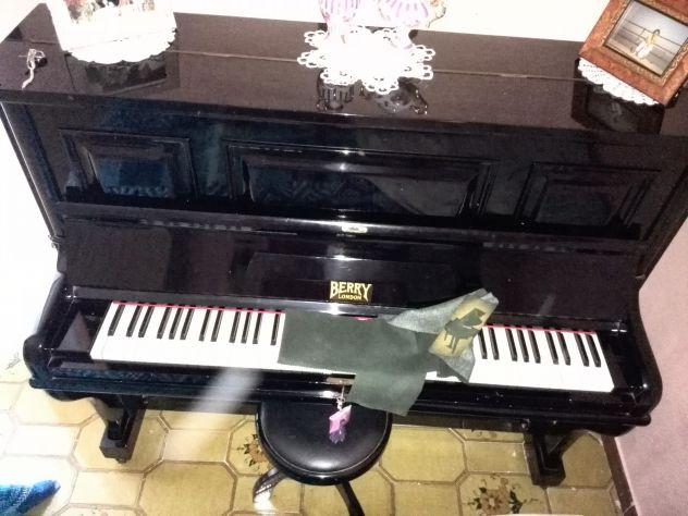 Pianoforte Marca Berry London