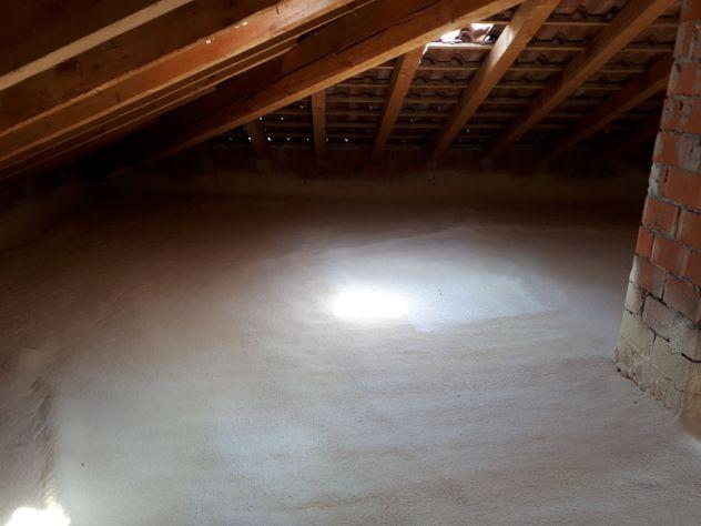 Poliuretano espanso a spruzzo isolamento termico isolamneto sottotetto - Foto 2