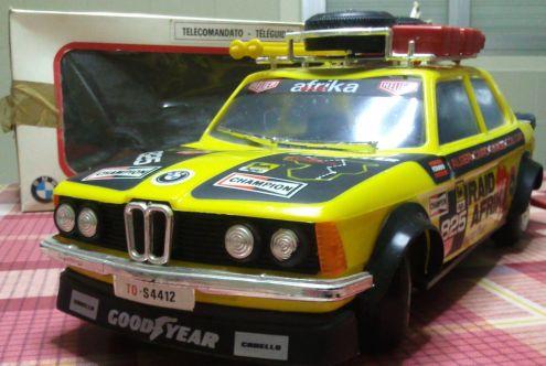 Modellino giocattolo BMW telecomandato anni 80
