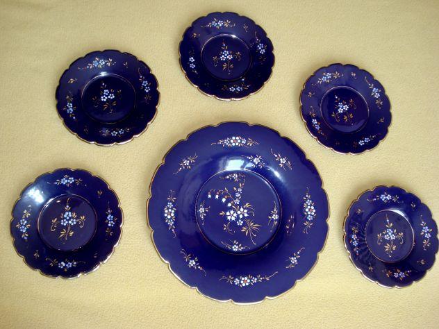 Piatti DECO anni 40 in ceramica blu cobalto decorata con fiori a rilievo e oro