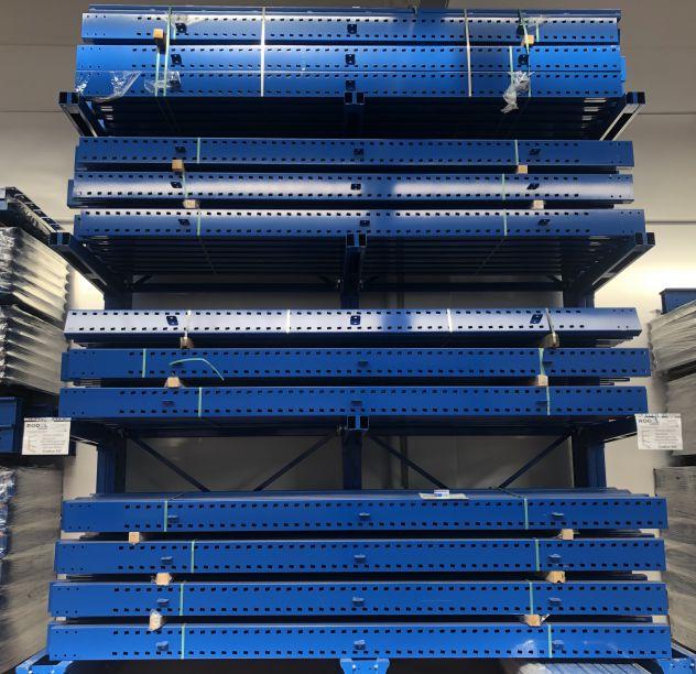 Cantilever per materiale plastico