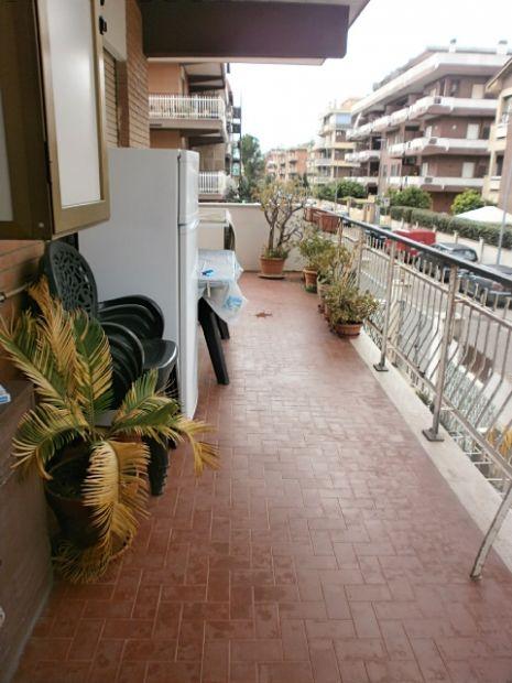torvaianica centro 1 piano terrazzo e veranda - Foto 2