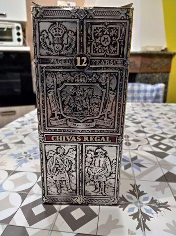 Chivas regal   vecchia bottiglia di whisky