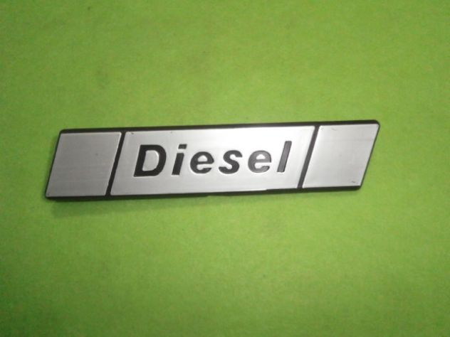 Fiat 131 diesel scritta posteriore  logo targhetta