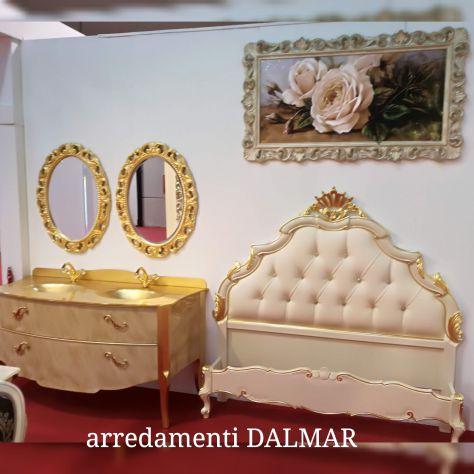 Letto in legno massello intagliato a mano barocco oro