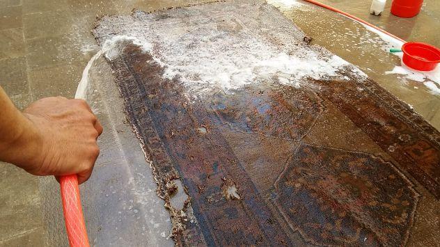 Pulizia tappeti Trieste, lavaggio e restauro tappeti persiani Trieste - Foto 3