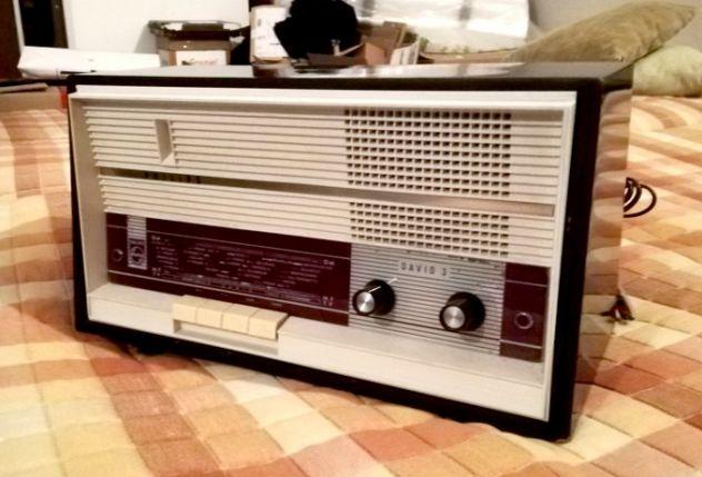 Radio a valvole Philip David 3 anni 60 Vendo Radio a valvole Philps David 3 anni