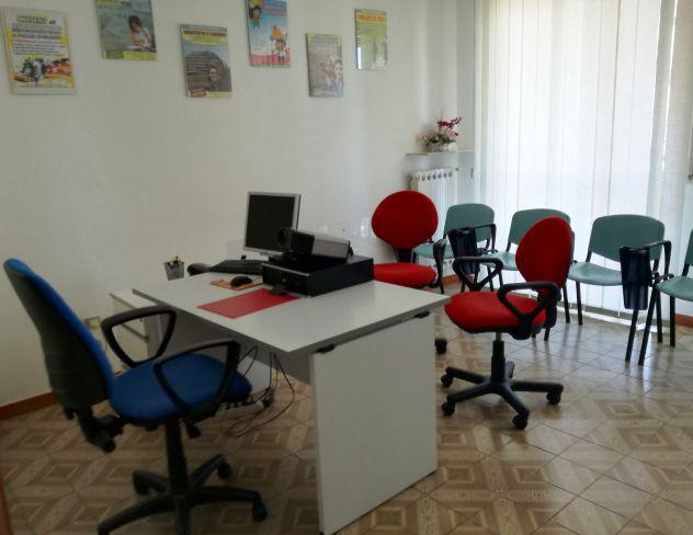 Stanza ad ore uso ufficio - Annunci Bari