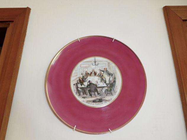 Piatto antico da collezione CLUB PICKWICK in porcellana dipinta a mano