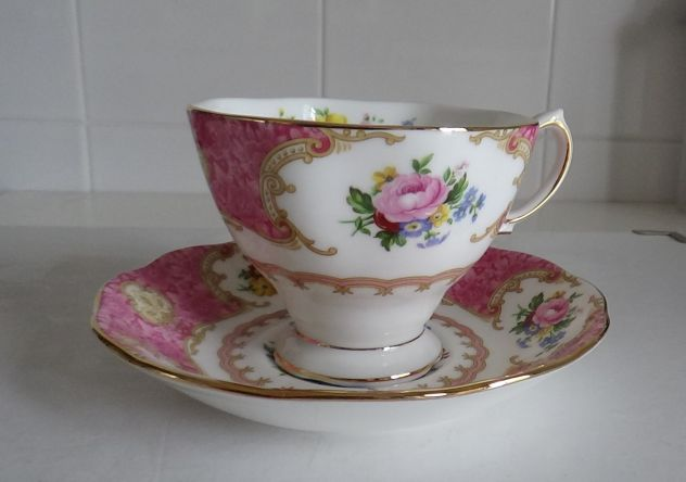 Tazza inglese + piattino Lady Carlyle - Royal Albert