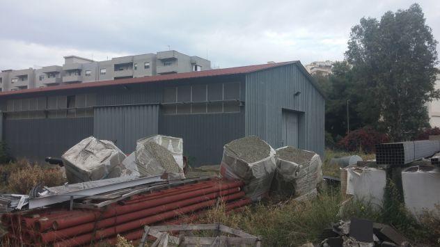 capannone prefabbricato in ferro zincato smontabile