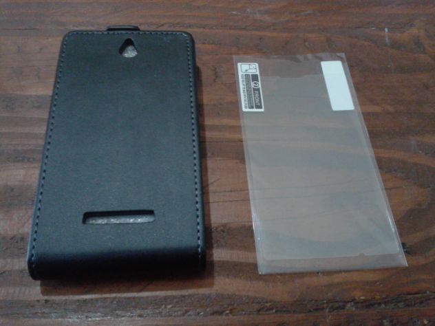 Custodia Sony Xperia E - C1505 pellicola