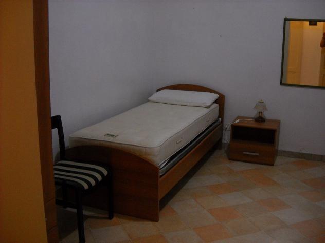 posto letto in stanza indipendente via a.d'amato 9 mq 50 affitto Euro 165 - Foto 5