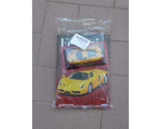 Medellino Ferrari ENZO della collezione
