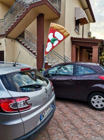 Insegna per pizzeria in vetroresina (fiberglass pizza), tridimensionale, a vela. - Foto 5