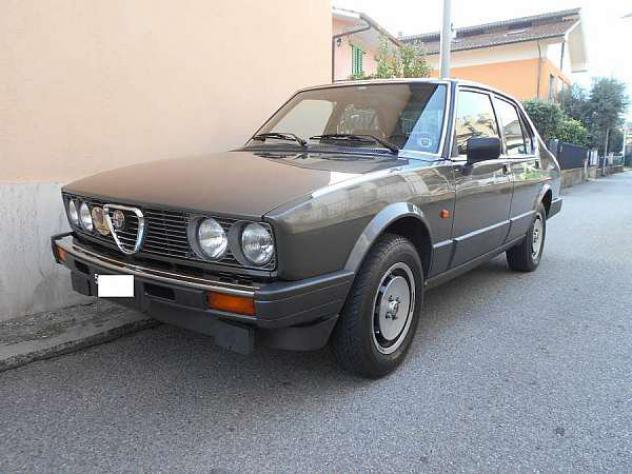 Alfa Romeo Alfetta 2.0i Quadrifoglio Oro