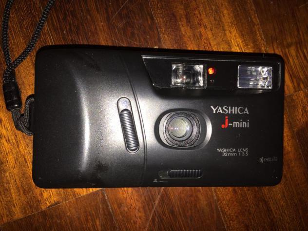 Macchina fotografica Yashica J.mini 32mm 1:35 Usato