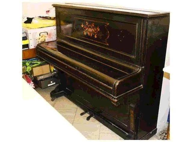 Piano pianoforte a muro Euro 100