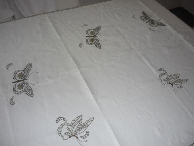 Tovaglie,asciugamani,grembiuli,centrini ricamati o dipinti a mano - Foto 2