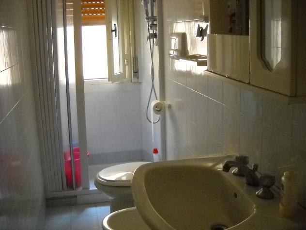 posto letto in stanza indipendente zona provinciale mq 50 affitto Euro 165 - Foto 8