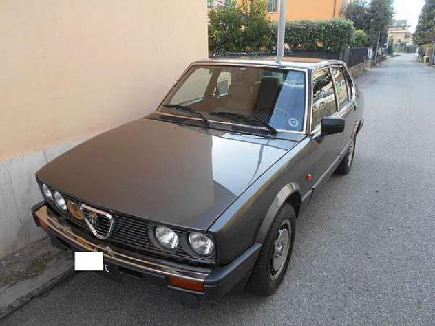 Alfa Romeo Alfetta 2.0i Quadrifoglio Oro - Foto 2