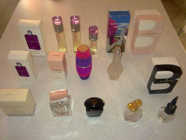 Bottiglie vuote profumo collezione