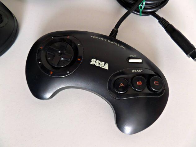 Joypad Sega Mega Drive (prima versione) originale, funzionante testato - Foto 3