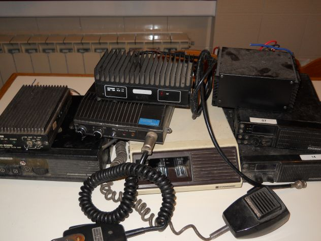 radiotrasmittenti VHF/UHF e amplificatori
