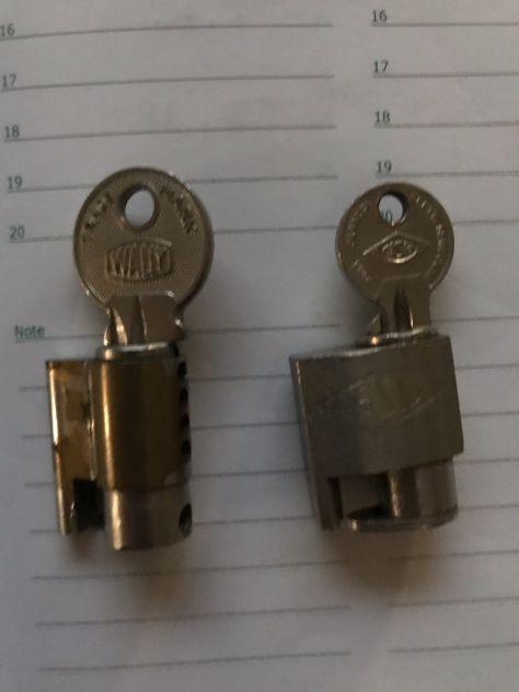 Due lucchetti per disco telefono
