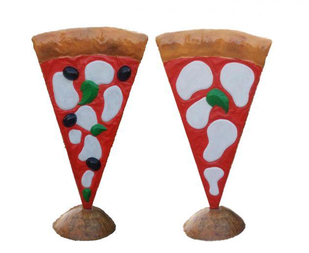 Insegna pizza: spicchio di pizza a totem in vetroresina a LECCO