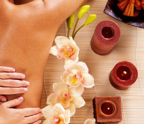 Massaggiatrice esperta e di bell'aspetto a Ravenna