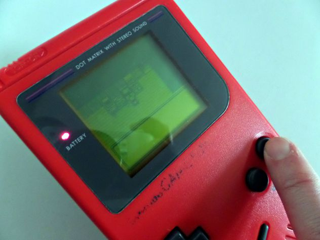 Game Boy Classic rosso + gioco Pokèmon Gold - Foto 8