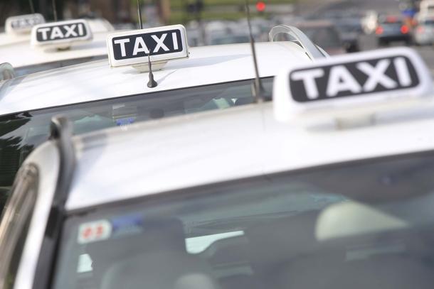 Servizio taxi e transfer ERMA TAXI - Foto 2