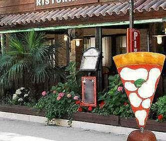 Insegna PIZZA in vetroresina (fiberglass) per esterno Pizza a totem - Foto 4